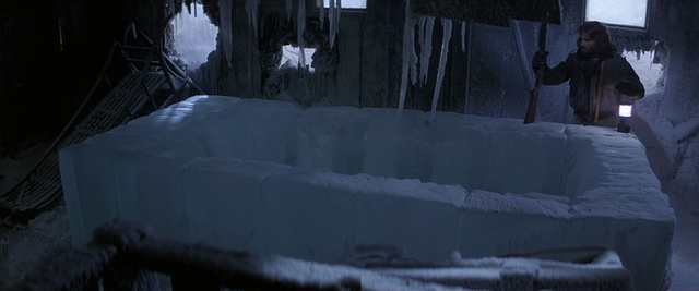 File:Discovery of the ice block - The Thing (1982).png