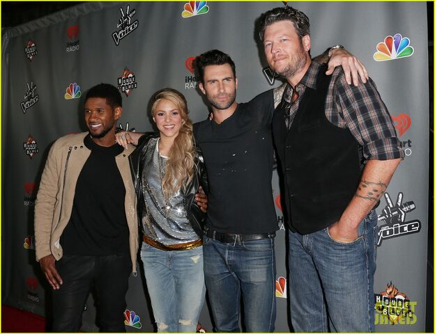 File:Adam-levine-shakira-the-voice-season-4-finalists-party-01.jpg