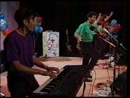 HereComesABear-1992Live