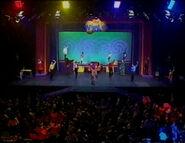 MoveYourArmsLikeHenry-1998Live