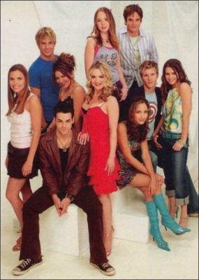 File:Cassie and the teens of genoa city.jpg