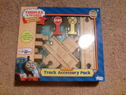 2010DeluxeTrackAccessoryPackBox