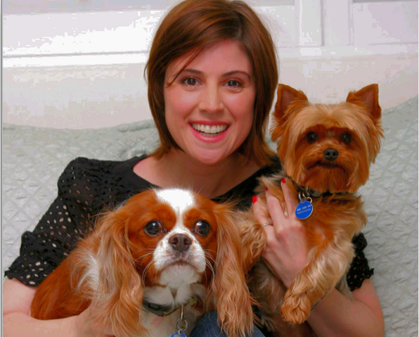 File:Melanie Paxson and pets.png