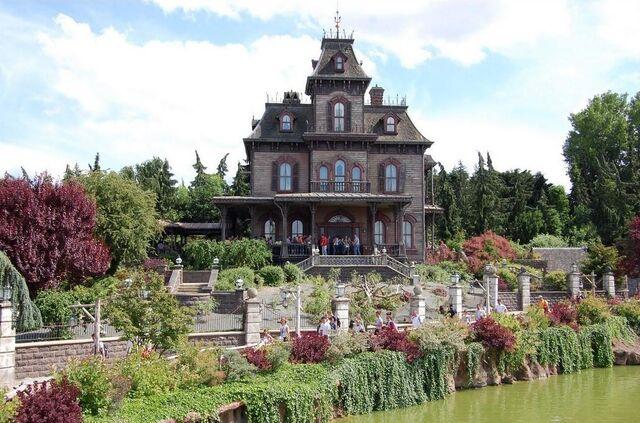 File:Phantom Manor (2).jpg
