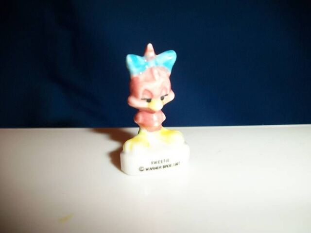 File:Sweetie Figure.JPG