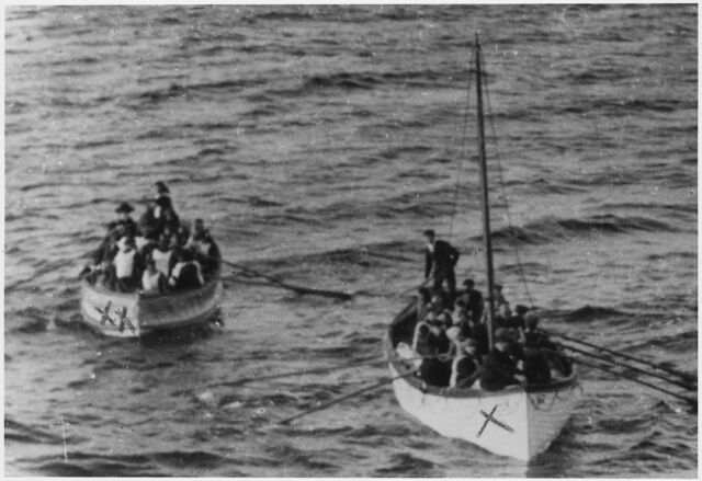 File:Lifeboats D & 14.jpg