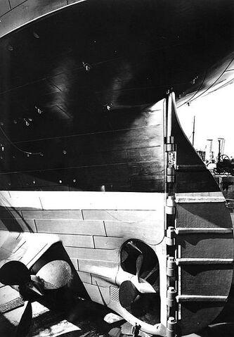 File:Titanic stern and rudder.jpg