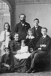 File:Stead family.jpg