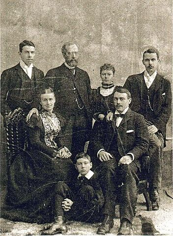 File:Andrews Family.jpg