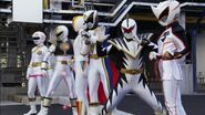 Gokaiger vs. Gavan - All White