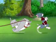 Bend It Like Thomas - Spike chasing Tom