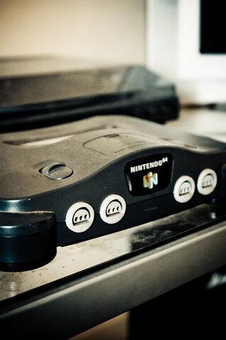 File:Nintendo 64..jpg