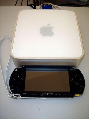 File:Mini and PSP.jpg