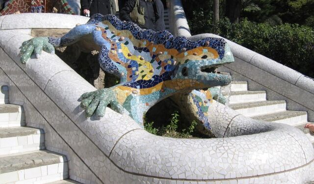 File:Parc Güell Dragon Restored.jpg