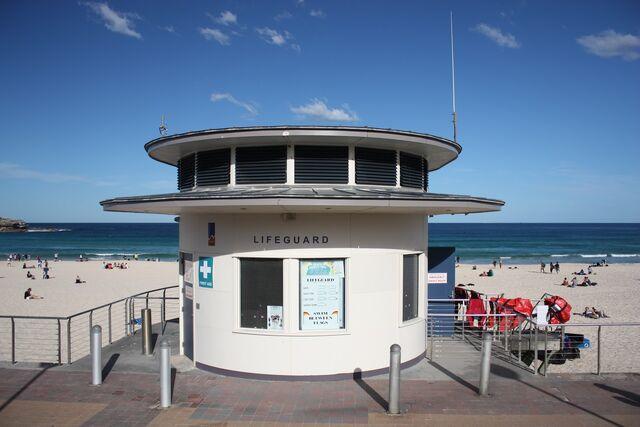 File:Lifeguard Station.jpg