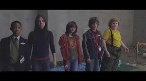 Unaccompanied Minors - Movie Trailer