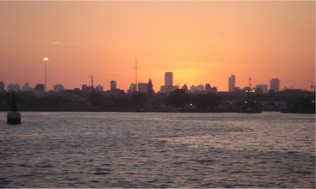 File:Mumbai harbour.jpg