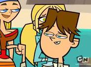 Cody flirter