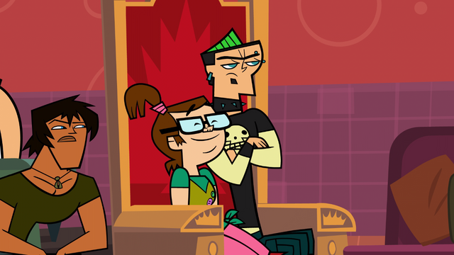 File:Beth and Duncan in TDA-Aftermath IV.png