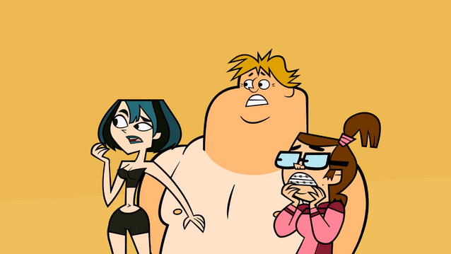 File:Gwen, Owen, and Beth in swimsuits surprised.png