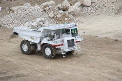 Perlini DP405 at Hillhead 2010 - IMG 1686