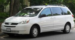2004-2005 Toyota Sienna LE -- 07-15-2010
