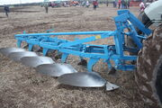 Doe 6 furrow plough and HD linkageIMG 4185