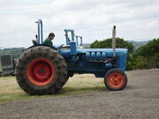 Fordson Major V8 tractor pulling at Astwoodbank