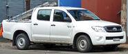 2008-2010 Toyota Hilux (GGN15R) SR 4-door utility 01