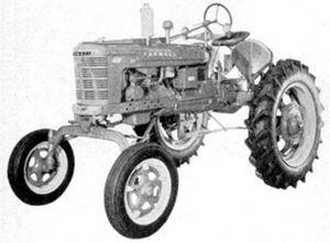 McCormick Farmall HV 1952