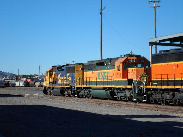File:BNSF Yard units.jpg