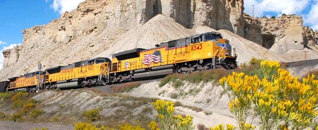 File:UP SD70ACe, SD90MAC, and AC4400CW.jpg