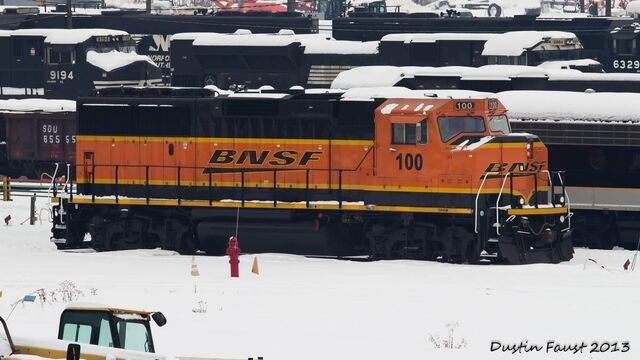 File:Odd-ball BNSF GP60M.jpg