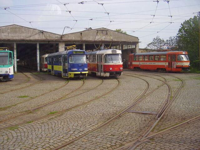 File:Trams Tatra T3 Košice.jpg