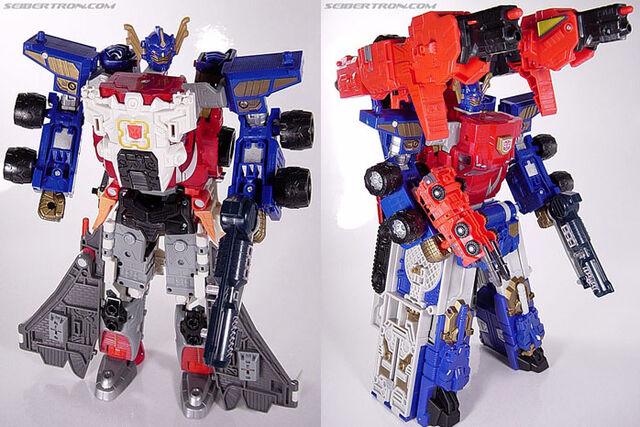 File:Armada JetOptimusMegaweapon toy.jpg
