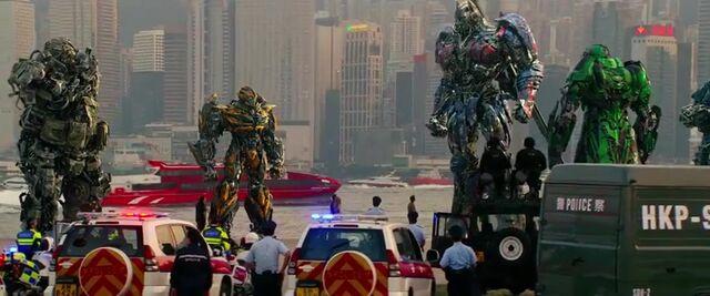 File:Transformers AOE 9379.jpg