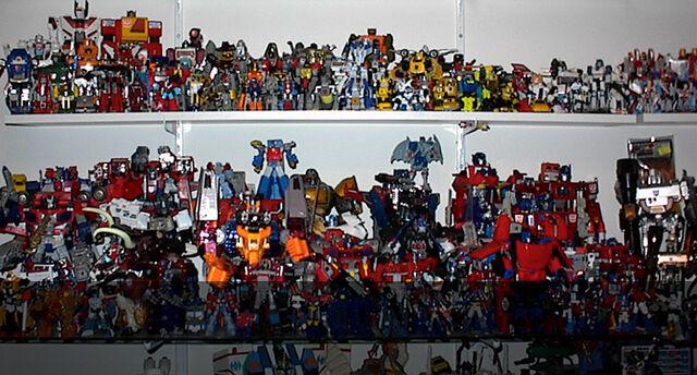 File:Transformers-Wiki Slider-Toys 01.jpg