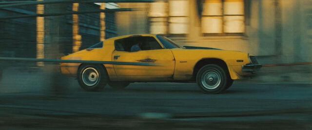File:Movie Bumblebee factorychase.jpg