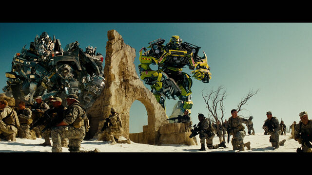 File:Rotf-autobots-film-egypt-1.jpg