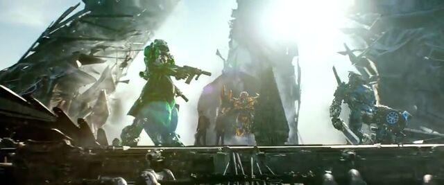 File:Transformers AOE 5329.jpg