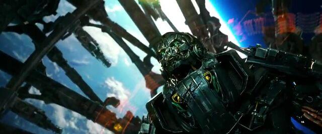 File:Transformers AOE 7799.jpg