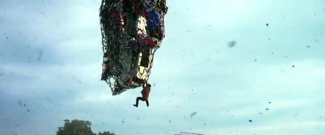 File:Transformers AOE 4965.jpg