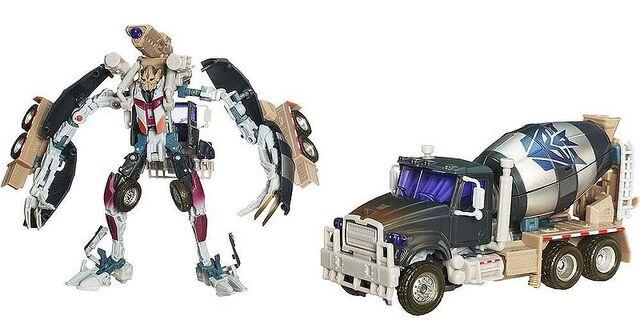 File:Rotf-mixmaster-toy-voyager.jpg
