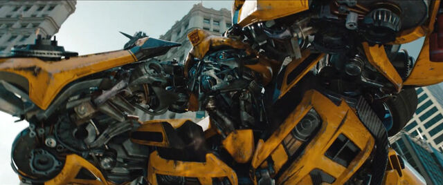 File:Dotm-bumblebee-film-chicago-execution.jpg