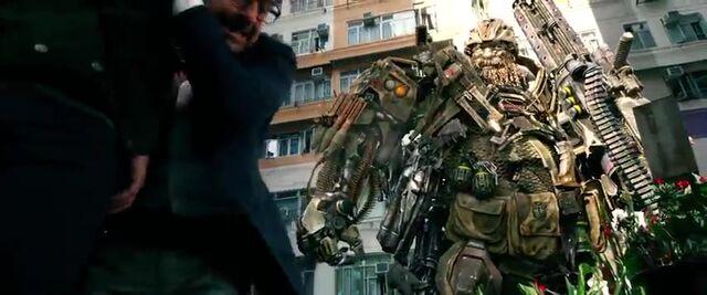 File:Transformers AOE 7822.jpg