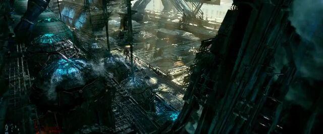 File:Transformers AOE 5062.jpg