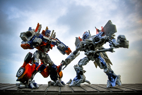 File:Optimus Prime vs. Megatron (HDR).jpg