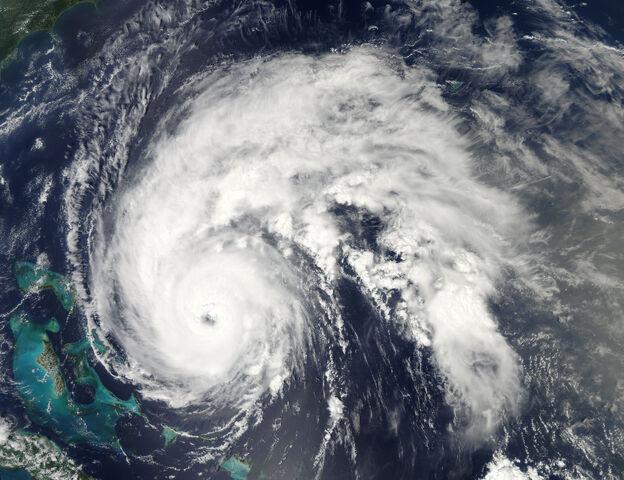 File:Hurricane Earl 2010-09-01 1801Z.jpg