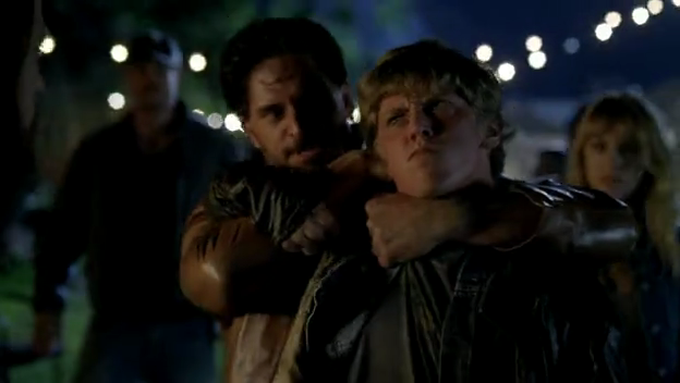 File:Alcide breaks up fight.png