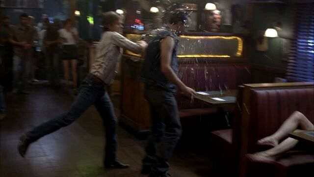File:3x09 -sam gets pushed to far and beats crystal's father 1.jpg